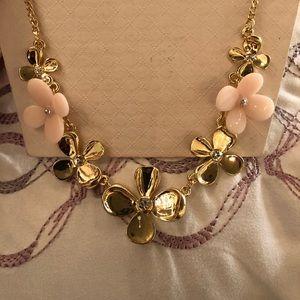 MIXIT simple floral necklace